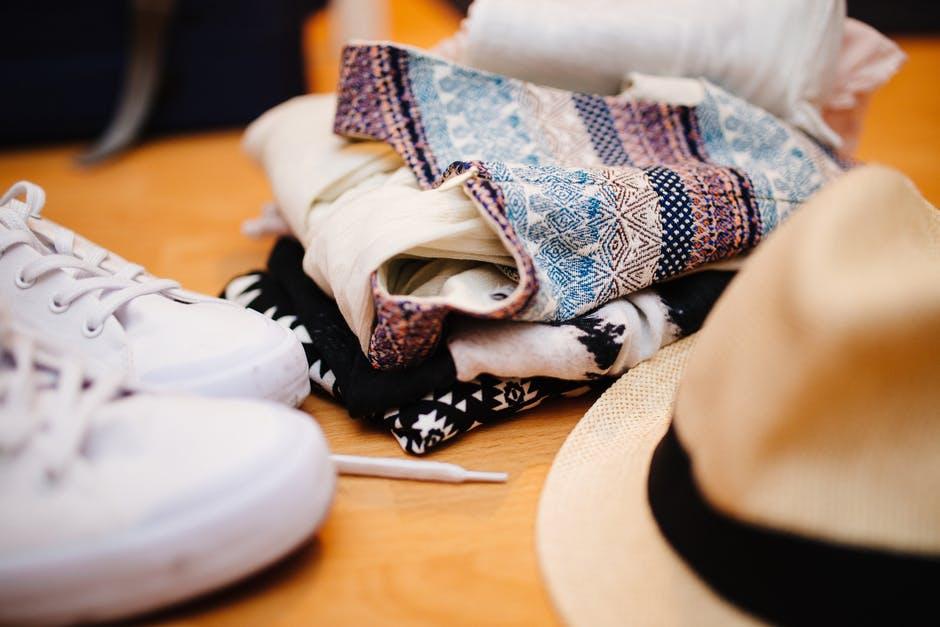Убираем летнюю одежду на зиму