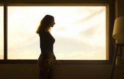 как ухаживать ща шторами, жалюзи и рулонными шторами